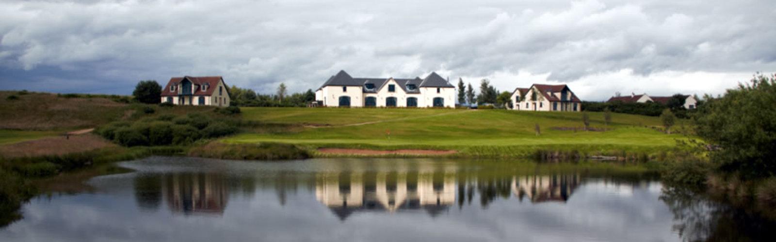 Drumoig golf hotel reflection on loch 1000 500