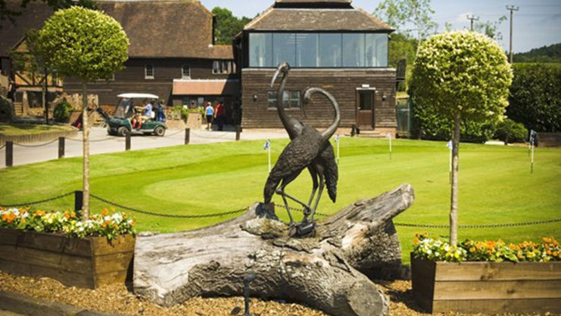 The cranleigh golf and leisure club